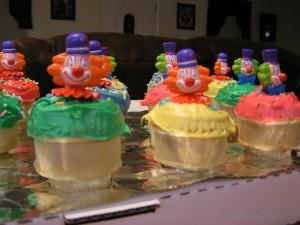 clown-cupcakes-1