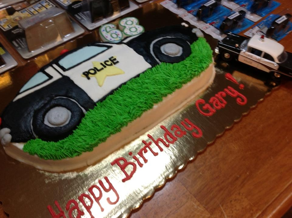 Happy Birthday To Hubby A Cool Police Car Cake We Love Quilting